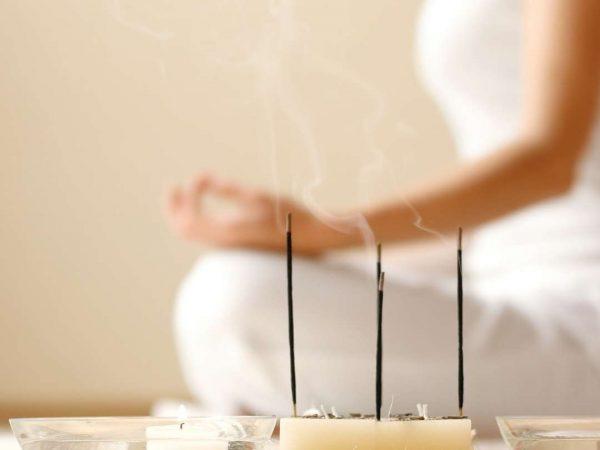 spoznaj svoj naravni cikel zensk v tebi joga obraza menstrualni cikel menopavza zleze v glavi hormoski sistem obrazna joga patricija cafuta vinksel patricijacv